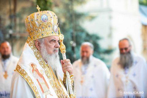 Liturghie-Putna-150-ani-128